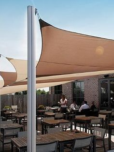 Shade a small or large area for comfortable outdoor entertaining with the Ingenua Rectangular Shade Sail System; easy to set up and a stylish addition to your outdoor space.