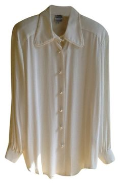 White Design Blouse Size 10 (M). Free shipping and guaranteed authenticity on White Design Blouse Size 10 (M)A extremely chic, Tony Lambert design, vintage, 10...