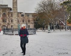 Buscando Captura #capture #search #photography #photography #people #snow #winter #adult #woman #wear #road #urban #city #travel #travelphotography #estambul #istanbul #turquia #turkey