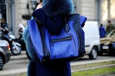 Candid street style at Gucci, Sandra Bauknecht and Celine blue bag Dali, Estilo Fashion, Blue Fashion, Diy Fashion, Street Fashion, Celine Bag, Celine Luggage, Celine Handbags, Best Handbags