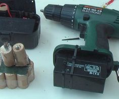 Cordless Drill Battery Maintenance - Instructables Cordless Drill Batteries, Ryobi Battery, Rv Battery, Lead Acid Battery, Cordless Tools, How To Make Moonshine, Electronic Circuit Projects, Battery Recycling, Electronic Shop