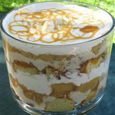 This is an easy dessert that features apples sautéed with cinnamon and nutmeg then layered in a trifle with cream, custard and toffee sauce. Vegan Avocado Recipes, Whole30 Recipes Lunch, Whole 30 Crockpot Recipes, Easy Whole 30 Recipes, Caramel Apple Trifle, Caramel Apples, Salsa, Custard Desserts, Trifle Recipe