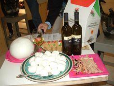 Vinitaly 2012: Mozzarella di Bufala Campana limited edition & Lupi Terrae wine