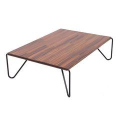 Mesa de centro Pampulha, base em metal maciço com pintura epóxi, tampo em pau ferro. Fabricação Desmobilia.