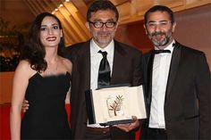 """#Turkey on Sunday celebrated the #Cannes #film #festival success of Turkish director Nuri Bilge Ceylan, with the #media hailing him for dedicating his Palme Or to victims of his country s political strife. Ceylan won top prize at the Cannes Film Festival for his epic drama """"Winter Sleep"""" & dedicated the award to the Turkish """"youth who lost their lives"""" in anti-#government protests that have rocked Turkey over the last year. """"Great honour,"""" headlined Posta newspaper. #Entertainment #Dunya…"""