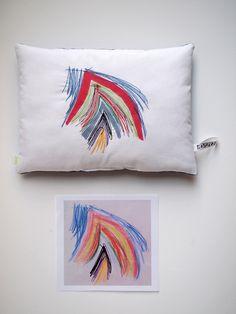 Création textile Zut! pièce unique Dessin à la craie grasse de Gabriel 3 ans Coussin surprise pour sa grand-mère ! http://www.atelier-zutfrance.com/
