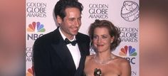 #THEXFILES is returning! Limited series to star @davidduchovny & @GillianA @indiewire  http://bit.ly/1OwNxNp