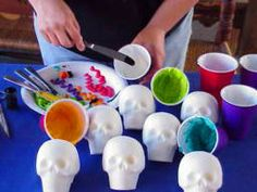I love this site! It is incredible. This particulare page shows you how to create your own sugar skulls. Holidays Halloween, Halloween Treats, Halloween Party, Holiday Crafts, Holiday Fun, Thinking Day, Sugar Skulls, Sugar Skull Crafts, Day Of The Dead