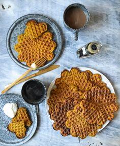 Whole Grain Spiced Pumpkin Waffles