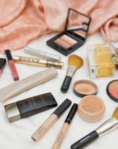 On The Go Beauty Bag - Gal Meets Glam