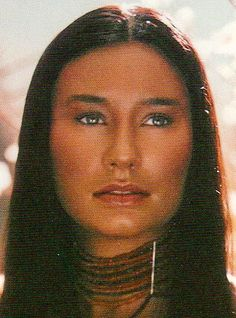 Tori Amos as Ton'ingina by Kevyn Aucoin Native American Actors, Native American Beauty, Native American Indians, American Indian Girl, Indian Girls, Butterfly Man, Indian Pictures, Indian People, Long Brown Hair