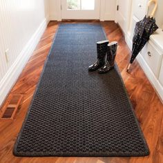 The antimicrobial Aqua Trap  Entry Mat protects floors and easily withstands the heaviest foot traffic. This industrial-strength, polypropylene mat features carpet-to-the-edge and a selection of colors that complement any d              Molded bubble pattern helps remove dirt and moisture from shoes better than traditional mats       Raised Aqua Dam border traps water, preventing damage to floors and carpets       Nonslip rubber backing keeps mat firmly in place Vacuum regularly; mat can be…