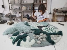 Artist uses recycled textile waste to create carpets and tapestries inspired by the ocean Artista usa desechos textiles reciclados para crear alfombras y tapices inspirados en el océano Ocean-Inspired Textile Art by Vanessa Barragao Weaving Art, Tapestry Weaving, Textile Tapestry, Living Room Carpet, Rugs In Living Room, Carpet Cleaning Company, Carpet Colors, Textile Artists, Punch Needle