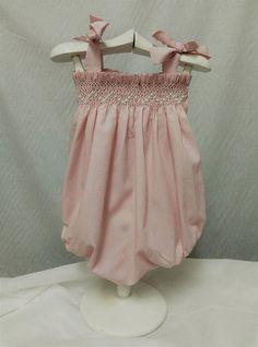 Smocking Baby, Smocking Patterns, Color Rosa Bebe, Punto Smok, Girls Dresses, Summer Dresses, Heirloom Sewing, Baby Kids Clothes, Smock Dress