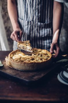 Gluten-free Apple Pie with Cardamom and Ginger - Our Food Stories Apple Pie Recipes, Apple Desserts, Just Desserts, Fall Recipes, Sweet Recipes, Gluten Free Apple Pie, Gluten Free Sweets, Gluten Free Baking, Gluten Free Recipes