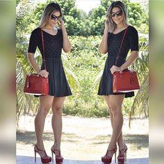 Caímos de amores por essa produção linda!! 😻✨ { Body Poá + Saia evasê } #VempraBizzarro 💋 Opções de pagamento 💰 Depósito Bancário (10% de desconto) 💳 Parcelado em até 6x sem juros no cartão (PagSeguro) . Vendas ou dúvidas 📱Whatsapp (88)997331001 💡 Site: www.lojabizzarro.com.br 📦 FRETE GRÁTIS para todo Brasil #look #boanoite #lookdodia #lookoftheday #fashion #fashionblogger #moda #ootd #glam #fashionista #dodia