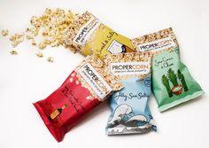 + Design de embalagem :   Simples e eficiente, assim são as embalagens da Propercorn.