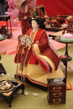 https://flic.kr/p/6mGLAb | Ningyo, Japanese dolls | In my town, Konosu, one of the traditional crafts still alive is making dolls, specifically the dolls for Girl's Day Holiday. These sets include the whole of a Heian court, from Emporor and Empress down to gardeners.