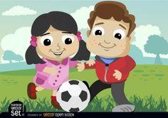Un niño y una niña juganando fútbol.