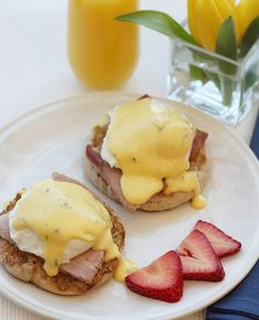 Eggs Benedict: Two classics come together in this timeless creation with a perfectly poached egg, ham and hollandaise sauce on a Thomas' Original English Muffin.