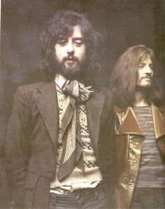 Led Zeppelin - Jimmy Page & John Paul Jones John Paul Jones, John Bonham, Jimmy Page, Robert Plant, Led Zeppelin, Great Bands, Cool Bands, Woodstock, Heavy Metal