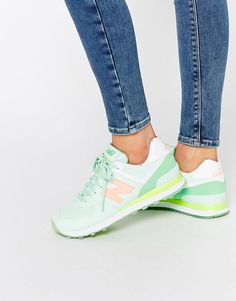 Tendance Basket 2017 Image 1 of New Balance 574 Mint Green Sneakers Green Trainers, Green Sneakers, Sneakers Mode, Sneakers Fashion, Fashion Shoes, Ladies Sneakers, Green Shoes, Vans Sneakers, Tenis New Balance