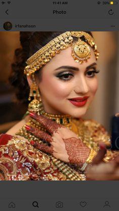 @amu13 More Pakistani Bridal Makeup, Pakistani Couture, Pakistani Dresses, Indiana, Indian Wedding Bride, Bridal Makeover, Bride Makeup, Bridal Beauty, Bride Look