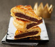 L'Epiphanie approche à grands pas ! Découvrez nos délicieuses recettes de galette des Rois. Ici, la savoureuse recette de la galette frangipane chocolat
