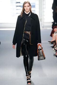 Louis Vuitton Fall 2014 Ready-to-Wear Fashion Show - Elena Bartels (Women)
