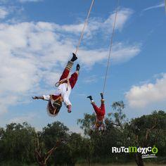Abre tus brazos e imagina que vuelas y el mundo te pertenece    #WeLoveTraveling www.rutamexico.com.mx Whatsapp: (722)1752392 email: info@rutamexico.com.mx  #ViajesAcadémicos #ViajesDeIntegración #ViajesTurísticos #ViajesGrupales #México #Viajes #ComidaTípica