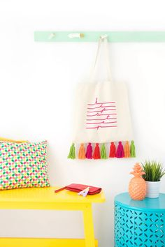 Easy Yarn Tassel Tote Bag - Damask Love