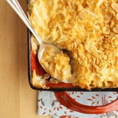 Heart Healthy Cheesy Potatoes - Better Homes & Gardens Reduced-fat soup, reduced-fat cheddar cheese, and light sour cream help transform this favorite holiday casserole into a hearty-healthy side dish. Healthy Potluck, Potluck Recipes, Side Dish Recipes, Healthy Cooking, Cooking Recipes, Sausage Recipes, Healthy Summer, Healthy Desserts, Holiday Recipes