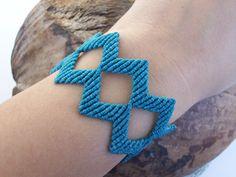 Geometrical bracelet - Lace patterned bracelet, adjustable, light blue, zig zag!!