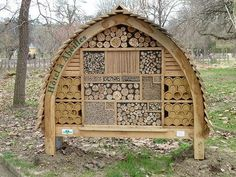 11 inspirations for insect hotels | 1001 Gardens
