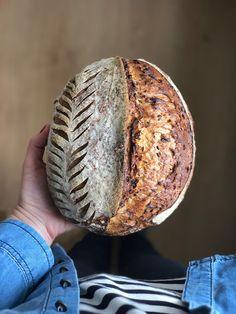 Paine cu maia - introducere si o reteta de paine cu seminte - Taste Bazaar Baking, Phone, Pictures, Recipes, Bread, Photos, Telephone, Bakken, Photo Illustration