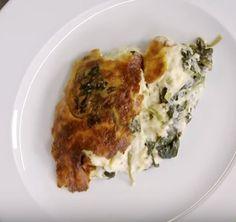 Πολύ νόστιμο σουφλέ με σπανάκι και διάφορα τυριά που τρώγεται σαν κυρίως αλλά συνοδεύει ωραιότατα και ένα ψητό κοτόπουλο, κρέας ή ψάρι!