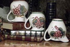 #Brocca di #ceramica decorata a mano per il #Vino #Deruta #Italy http://ceramicamia.blogspot.it/2013/01/brocca-di-ceramica-decorata-mano.html