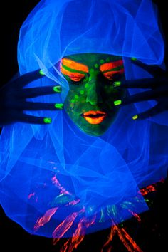 Neon! Look at it long enough, & the eyes, lips & nails, pop out at you..