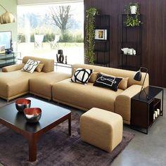 Idée agencement de canapé cuir beige avec méridienne → touslescanapes.com