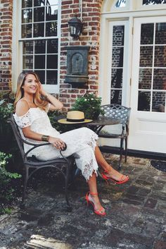 """Curtsy is charmed by Charleston's """"It Girl"""" Naomie Olindo. Read as we catch up with thisanimal-lover and world traveler. Don't Have Our App Yet? DownloadCurtsy! For each download, we will donate $1 to the Charleston Animal Society Meet Naomie. You may recognize her from Bravo TV'sSouthern Charm, but we recognize her as being the ultimate… Continue reading Southern Charmed: Why Naomie Olindo is Our New #GirlCrush ? →"""