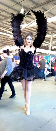 6 Original TV Show and Movie Cosplays: Black Swan Cosplayer http://anime.about.com/od/cosplay/ss/6-Original-TV-Show-and-Movie-Cosplays-from-Melbourne-Supanova-Pop-Culture-Expo.htm