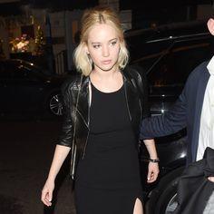 Laut Filmstar Jennifer Lawrence hat das Bogenschießen ihren Körper dauerhaft verändert. Jennifer Lawrence (25) ist der Meinung, dass einer ihrer Ar...