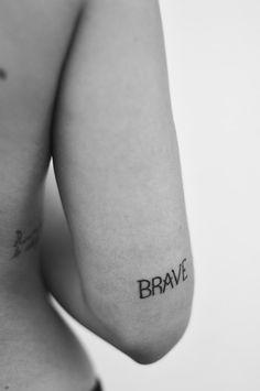 One word tattoos: tattoo photos - Brave tattoo with bold letters . - One word tattoos: tattoo photos – Brave tattoo with black letters - Kunst Tattoos, Body Art Tattoos, New Tattoos, Small Tattoos, Tatoos, Faith Tattoos, Music Tattoos, Elbow Tattoos, Bird Tattoos