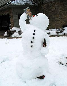 35 Creative, Funny Snowman Pictures for Winter Fun - Snappy Pixels Winter Wonder, Winter Fun, Winter Time, Winter Snow, Funny Snowman, Snow Sculptures, Snow Art, Build A Snowman, Diy Snowman