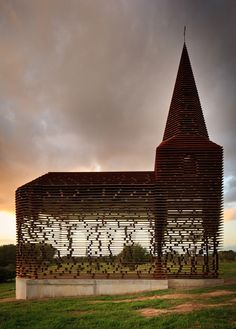Limburg, Belgium The Belgian duo Gijs Van Vaerenbergh construct a chapel out of pieces of steel. Sacred Architecture, Religious Architecture, Church Architecture, Amazing Architecture, Landscape Architecture, Interior Architecture, Design Creation, Modern Church, Old Churches