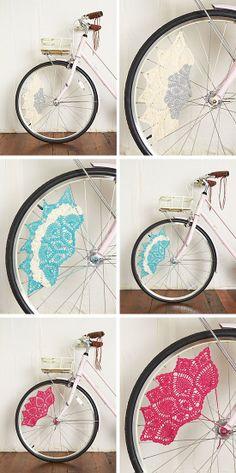 Bicicletas con detalle de ganchillo