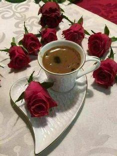 Good Morning, magic world! Coffee Latte Art, Coffee Cafe, My Coffee, Coffee Drinks, Good Morning Coffee Gif, Coffee Break, Pause Café, Chocolate Caliente, Breakfast Tea