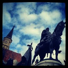 is a Cluj Napoca based company. Big Town, Romania, Four Square, Statue Of Liberty, Discovery, Handmade Jewelry, Social Media, Sky, Spaces