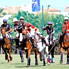 Do you fancy a #polo match in #Sotogrande? This weekend the Río field will be holding the Andrés Parladé Memorial. A must-see event! #travel #sports