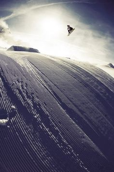 Damn, I want to be snowboarding right now.